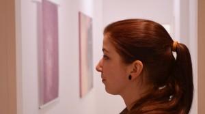 """Review zur Ausstellung """"Martyna Bielicka – Postmoderne Stadt der Frauen"""" auf Bezirzt"""